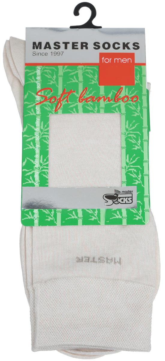 Носки мужские. 8860488604Удобные носки Master Socks, изготовленные из высококачественного комбинированного материала, очень мягкие и приятные на ощупь, позволяют коже дышать. Эластичная резинка плотно облегает ногу, не сдавливая ее, обеспечивая комфорт и удобство. Носки с паголенком классической длины и надписью Master в верхней части носка. Практичные и комфортные носки великолепно подойдут к любой вашей обуви.