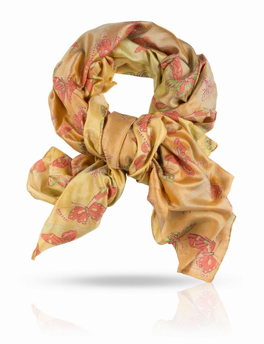 ПалантинSN-BUTTERFLY/CORALПалантин выполнен из 100% натурального шелка. Шелковая ткань ручного плетения. Нежное поблескивание шелкового полотна, переходы тончайших красок, изящный мотив с летящими бабочками - это палантин из плотного шелка создан для наслаждения визуального и тактильного. С блузой, юбкой или платьем, с легким плащом и элегантным пальто - он будет служить женщине верой и правдой в любой сезон, защищая и украшая ее нежную красоту. Такой шелк очень непросто найти в России: плотный, нежный и при этом достаточно легкий, он идеален для драпировок и демонстрации особого вкуса к качественным вещам. Вы оцените уникальный дизайн Michel Katana и тонкую ручную отделку этого прекрасного палантина.