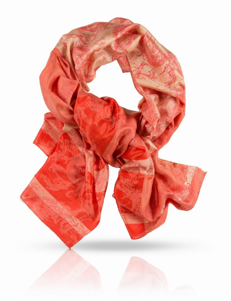 ПалантинSN-CROWN/BL.SILVERПалантин выполнен из натурального шелка ручного плетения. Качество этого палантина Michel Katana позволяет с гордостью носить его в любом обществе: чистейший шелк ручной скрутки, ручная печать и филигранная подшивка края - выбор настоящих ценителей.