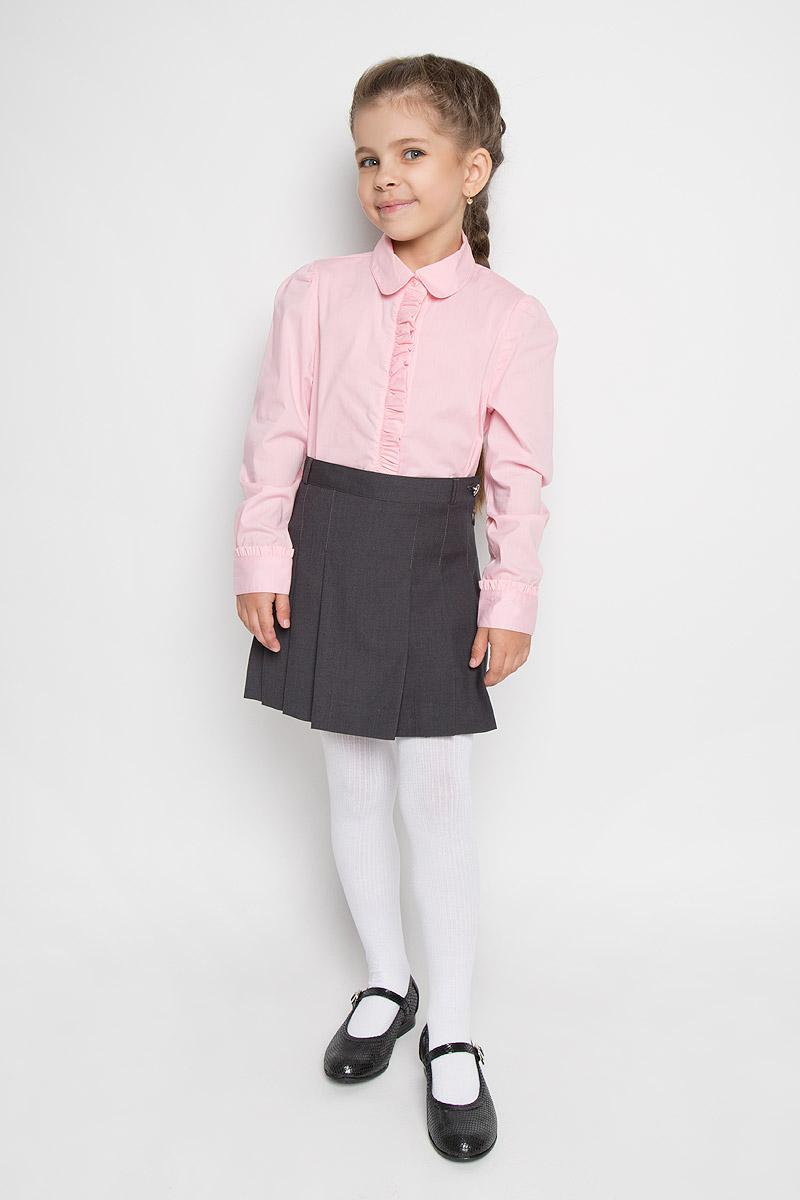 KA15-71015JЭлегантная блузка для девочки Finn Flare Kids идеально подойдет для школьной формы. Изготовленная из высококачественного материала, она мягкая, легкая и приятная на ощупь, не сковывает движения и позволяет коже дышать, не раздражает даже самую нежную и чувствительную кожу ребенка, обеспечивая наибольший комфорт. Блузка трапециевидного кроя с длинными рукавами-фонариками, полукруглым низом и отложным воротничком застегивается по всей длине на пластиковые пуговицы. Рукава дополнены широкими манжетами на пуговицах. Планка и манжеты украшены нежными рюшами. Такая блузка - незаменимая вещь для школьной формы, отлично сочетается с юбками, брюками и сарафанами. Эта модель всегда выглядит великолепно!