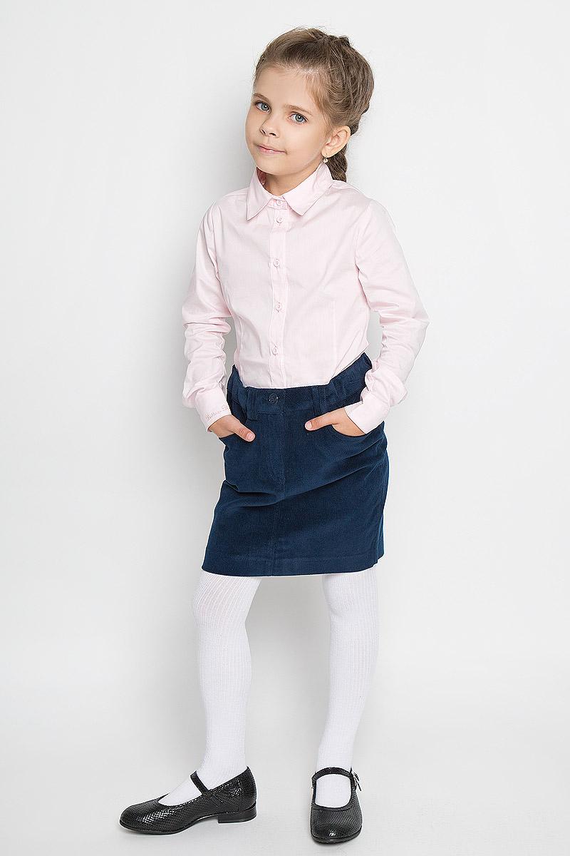 Юбка для девочки. 354024/354025354024Стильная вельветовая юбка для девочки Scool идеально подойдет для школы. Изготовленная из хлопка с добавлением эластана, она необычайно мягкая и приятная на ощупь, не сковывает движения малышки и позволяет коже дышать, не раздражает даже самую нежную и чувствительную кожу ребенка, обеспечивая ему наибольший комфорт. Юбка прямого кроя застегивается на пуговицу и имеет ширинку с металлической застежкой-молнией. Имеются шлевки для ремня. При необходимости пояс можно утянуть скрытой резинкой на пуговках. Спереди юбочка дополнена двумя втачными кармашками. В сочетании с любым верхом, юбка выглядит строго, красиво, достойно. Оригинальный современный дизайн делает эту юбку модным и стильным предметом детского гардероба. В ней ваша маленькая леди всегда будет в центре внимания!