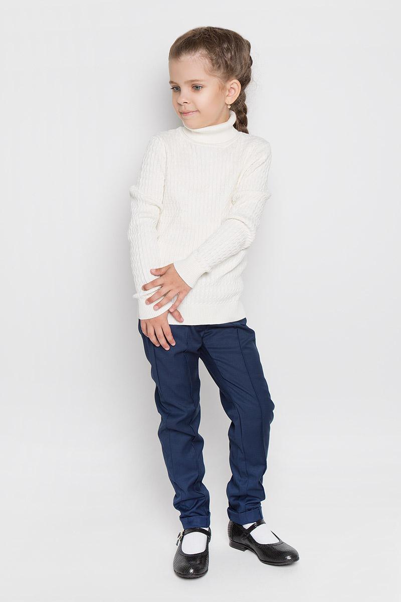 Водолазка для девочки. JR-614/176-5382JR-614/176-5382Великолепная водолазка для девочки Sela идеально подойдет вашей маленькой моднице. Изготовленная из натурального хлопка, она необычайно мягкая и приятная на ощупь, не сковывает движения и позволяет коже дышать, не раздражает даже самую нежную и чувствительную кожу ребенка, обеспечивая ему наибольший комфорт. Водолазка с длинными рукавами дополнена воротником-гольф и оформлена вязкой косичка. Рукава дополнены широкими трикотажными манжетами. Понизу проходит широкая трикотажная резинка. Современный дизайн и расцветка делают эту водолазку модным и стильным предметом детского гардероба. В ней ваш ребенок будет чувствовать себя уютно и комфортно, и всегда будет в центре внимания!