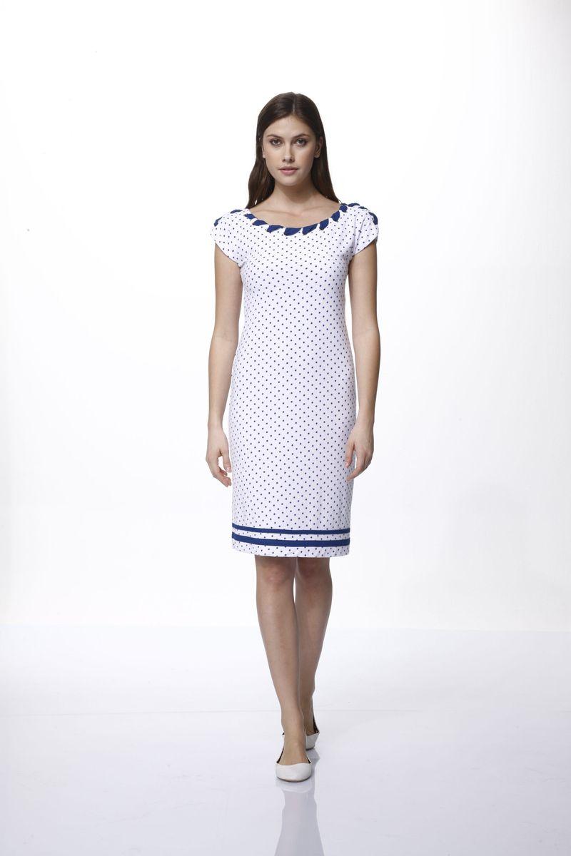 Платье45610Домашнее платье Relax Mode выполнено из вискозы и оформлено принтом в горох. Платье с круглым вырезом горловины и без рукавов дополнено металлическими люверсами, через которые продета лента. Спинка оформлена небольшим вырезом.