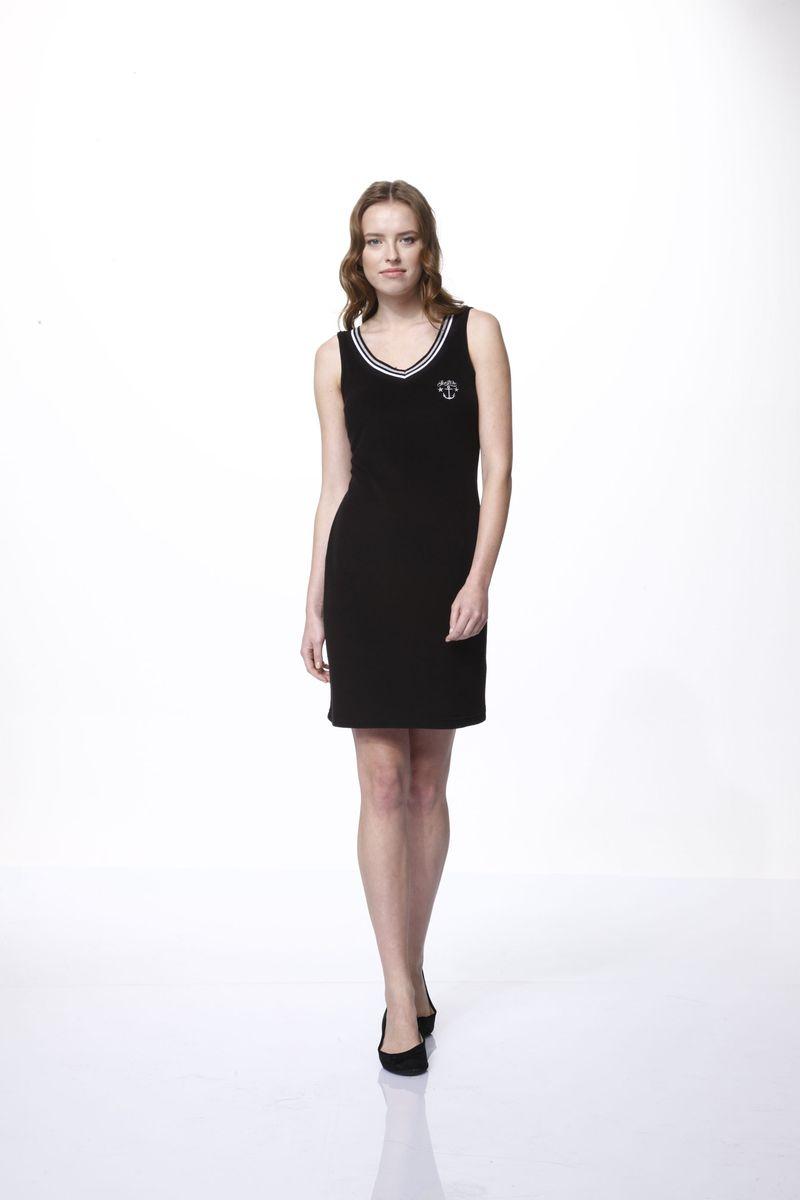 45677Домашнее платье Relax Mode выполнено из хлопка и модала. Платье-мини с V-образным вырезом горловины и без рукавов на груди оформлено вышивкой. Вырез горловины дополнен трикотажной резинкой.