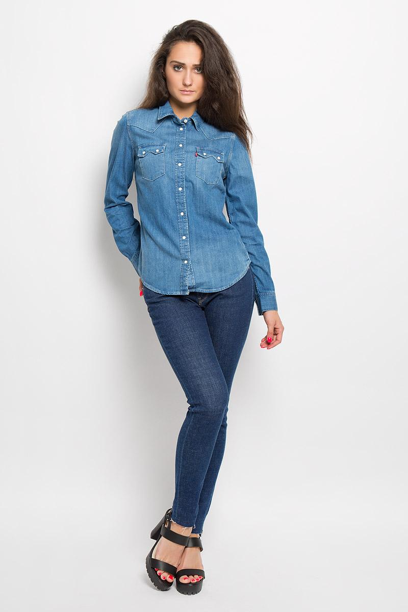 Рубашка1727900050Стильная женская рубашка Levis®, выполненная из натурального хлопка, прекрасно подойдет для повседневной носки. Материал очень мягкий и приятный на ощупь, не сковывает движения и позволяет коже дышать. Рубашка в стиле Western с отложным воротником и длинными рукавами застегивается на кнопки по всей длине. Низ рукавов обработан манжетами на кнопках. Спереди модель дополнена накладными карманами с оригинальными клапанами на кнопках. Такая рубашка будет дарить вам комфорт в течение всего дня и станет модным дополнением к вашему гардеробу.