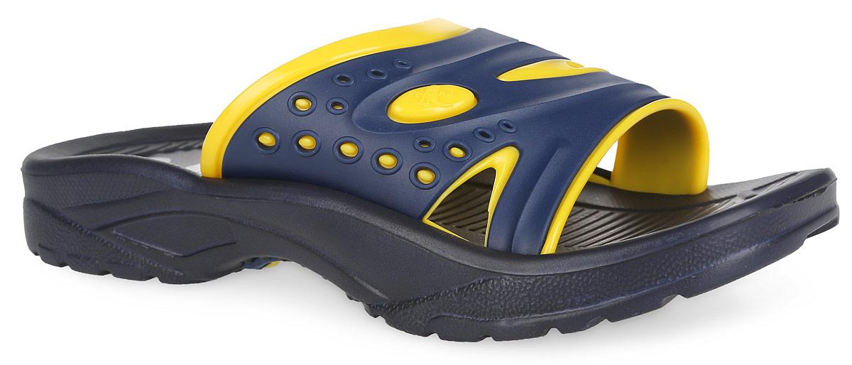 Шлепанцы для мальчика. 921921Практичные шлепанцы Дюна не оставят равнодушным вашего мальчика! Подъем изделия изготовлен из ПВХ, оформлен тисненым логотипом бренда и дополнен перфорацией для лучшей воздухопроницаемости. Подошва и стелька выполнены полностью из ЭВА материала. Стелька с рифленой поверхностью подарит комфорт при ношении обуви. Подошва с протектором гарантирует надежное сцепление с поверхностью. Шлепанцы прекрасно подойдут для повседневного использования в бассейне, дома или на отдыхе.