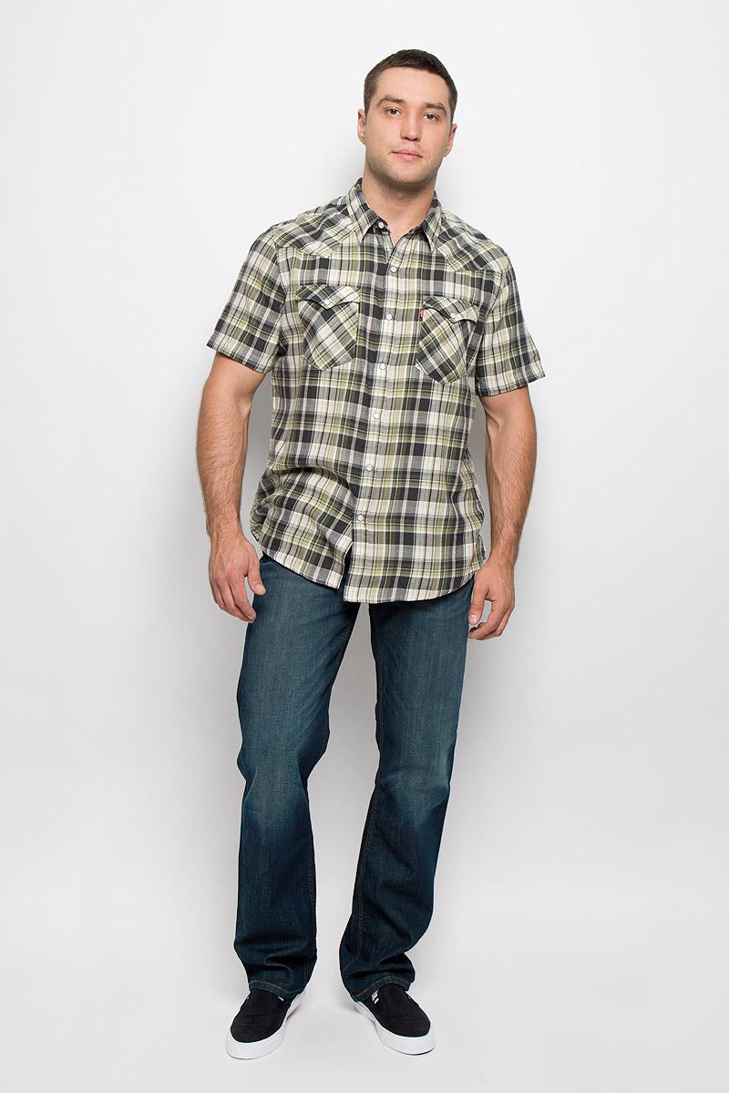 Рубашка2197800090Мужская рубашка Levis® в стиле Western прекрасно подойдет для повседневной носки. Изделие выполнено из натурального хлопка, необычайно мягкое и приятное на ощупь, не сковывает движения и хорошо пропускает воздух. Рубашка с отложным воротником и короткими рукавами застегивается спереди на кнопки и одну пуговицу. Модель отличается оригинальными ковбойскими элементами дизайна на передней и задней кокетках, оснащена нагрудными карманами с клапанами на кнопках. Изделие оформлено принтом в клетку. Такая рубашка будет дарить вам комфорт в течение всего дня и станет стильным дополнением к вашему гардеробу.