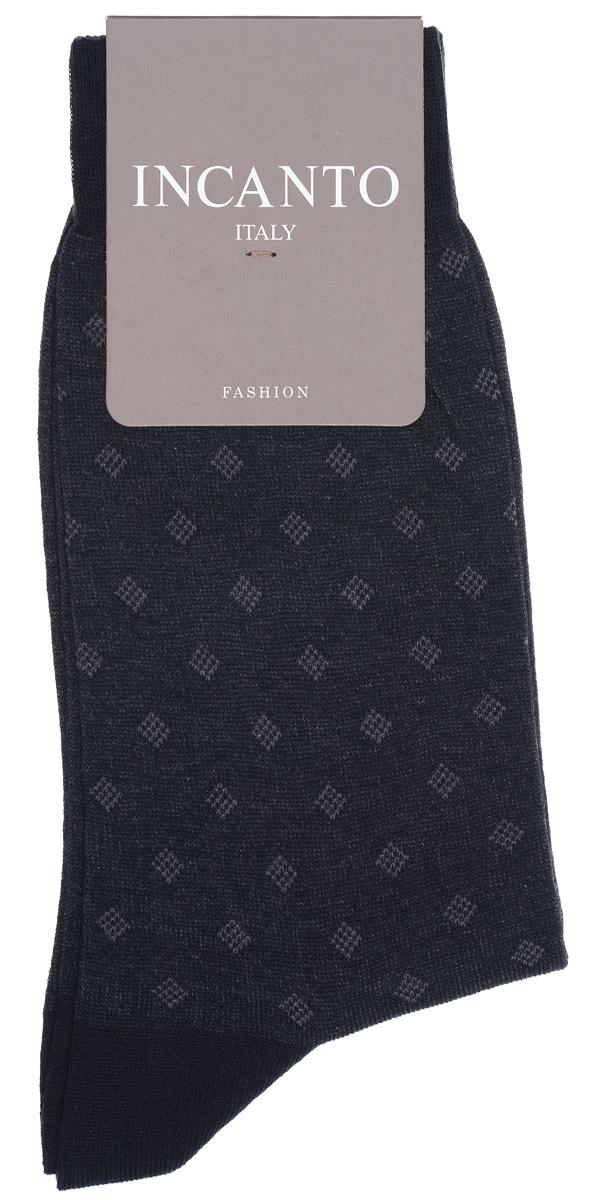 BU733032Мужские носки Incanto Fashion изготовлены из хлопка с добавлением полиамида. Материал тактильно приятный, хорошо пропускает воздух. Носки дополнены комфортной эластичной резинкой. Усиленные пятка и мысок обеспечивают надежность и долговечность. Оформлено изделие изображением ромбов. Удобные и прочные носки станут отличным дополнением к вашему гардеробу!