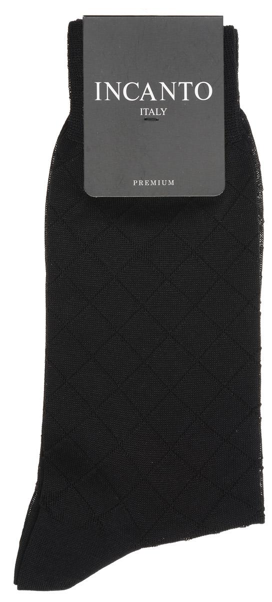 BU733022Мужские носки Incanto изготовлены из мерсеризованного хлопка. Удобная широкая резинка идеально облегает ногу, усиленные пятка и мысок повышают износоустойчивость носка. Удлиненный паголенок придает более эстетичный вид. Носки оформлены узором в ромбы на паголенке и верхней части следа.