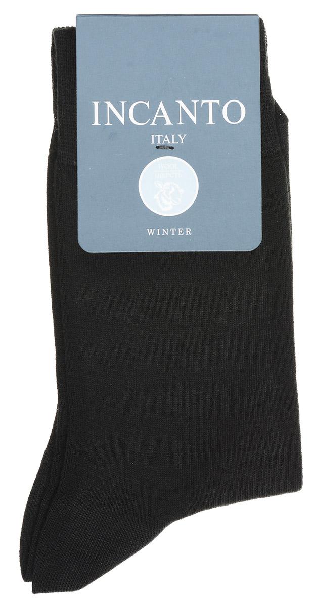 НоскиBU733028Мужские носки Incanto изготовлены из шерсти с добавлением полиамида и эластана, которые обеспечивают великолепную посадку. Удобная широкая резинка идеально облегает ногу, усиленные пятка и мысок повышают износоустойчивость носка.