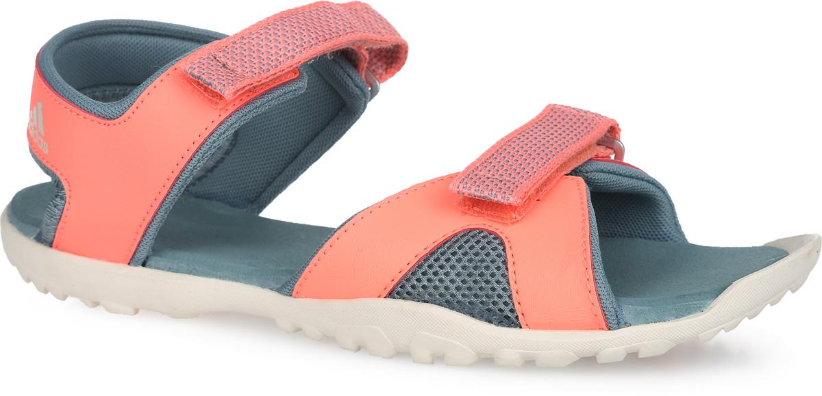 Сандалии для девочки Sandplay OD K. AF6133AF6133Оригинальные яркие сандалии от adidas Performance Sandplay OD K созданы специально для юных любителей игр на свежем воздухе. Верх модели выполнен из комбинации текстиля и синтетического материала, оформлен на ремешке в области пятки фирменным принтом, на ремешках в области подъема - плетеным узором. Ремешки на застежках-липучках и пяточный ремешок надежно зафиксируют обувь на стопе. Текстильная подкладка предотвратит натирание. Мягкая стелька из ЭВА материала обеспечит комфорт. В области мыса подошва слегка выступает, обеспечивая тем самым защиту пальцев. Литая подошва из резины гарантирует максимальное сцепление с поверхностями. Такие сандалии придутся по душе вашей дочурке.