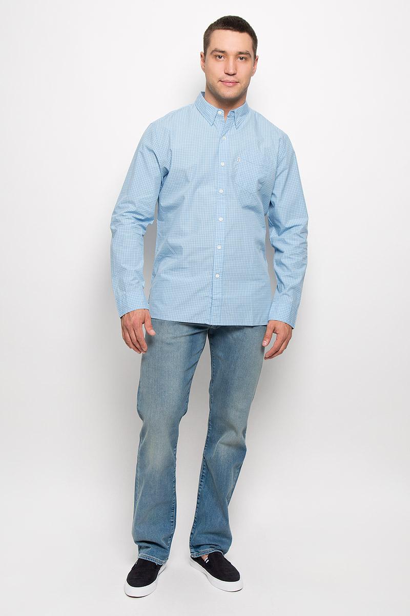 Рубашка6582402280Стильная мужская рубашка Levis®, выполненная из натурального хлопка, подчеркнет ваш уникальный стиль и поможет создать оригинальный образ. Такой материал великолепно пропускает воздух, обеспечивая необходимую вентиляцию, а также обладает высокой гигроскопичностью. Рубашка с длинными рукавами и отложным воротником застегивается на пуговицы спереди. На груди расположен накладной карман. Рукава модели дополнены манжетами на пуговицах. Изделие оформлено принтом в клетку. Классическая рубашка - превосходный вариант для базового мужского гардероба и отличное решение на каждый день. Такая рубашка будет дарить вам комфорт в течение всего дня и послужит замечательным дополнением к вашему гардеробу.