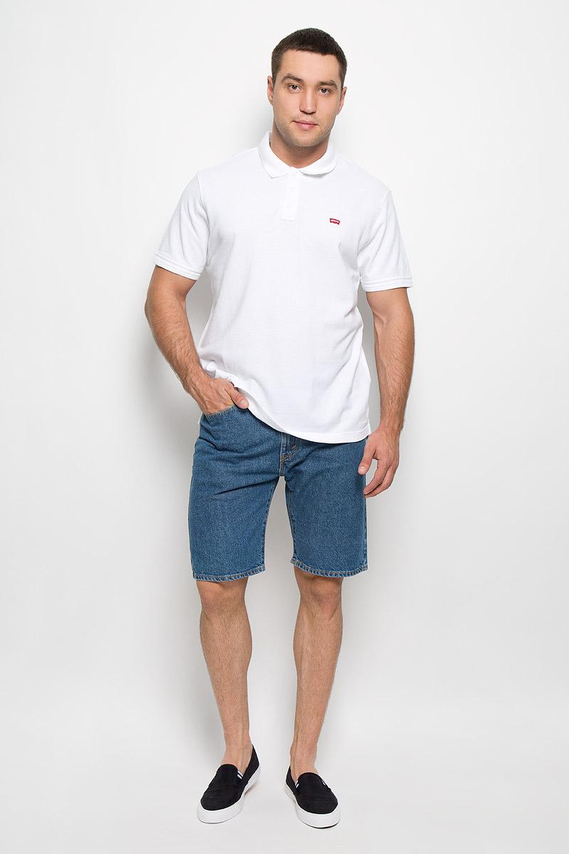Шорты мужские 505. 34505211103450521110Стильные мужские шорты Levis® 505 станут отличным дополнением к вашему гардеробу. Изготовленные из натурального хлопка, они мягкие и приятные на ощупь, не сковывают движения и позволяют коже дышать. Шорты средней посадки застегиваются на металлическую пуговицу по поясу и имеют ширинку на застежке- молнии, а также шлевки для ремня. Модель имеет классический пятикарманный крой: спереди - два втачных кармана и один маленький накладной, а сзади - два накладных кармана. Современный дизайн и расцветка делают эти шорты модным предметом одежды. Это идеальный вариант для тех, кто хочет заявить о себе и своей индивидуальности и отразить в имидже собственное мировоззрение.