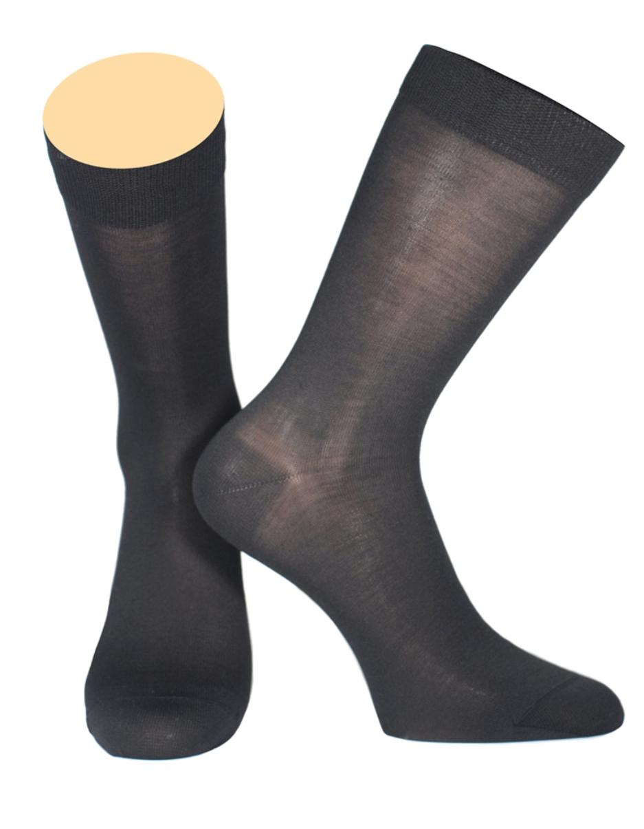 154/01Мужские носки Collonil изготовлены из шелка и кашемира. Носки с удлиненным паголенком. Широкая резинка не сдавливает и комфортно облегает ногу.