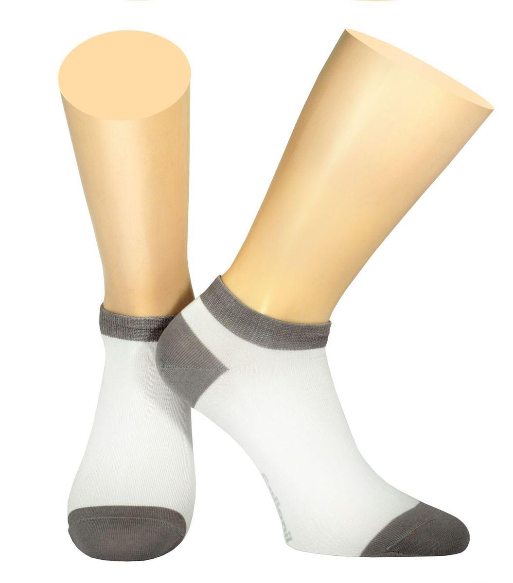 Носки2-18/01Мужские носки Collonil изготовлены из эластичного мерсеризованного хлопка с добавлением полиамида. Носки с укороченным паголенком. Широкая резинка не сдавливает и комфортно облегает ногу.