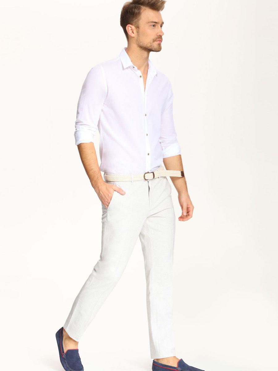 РубашкаSKL2018BIСтильная мужская рубашка Top Secret, выполненная из 100% хлопка, подчеркнет ваш уникальный стиль и поможет создать оригинальный образ. Рубашка с длинными рукавами и отложным воротником застегивается на пуговицы спереди. Рукава изделия дополнены манжетами, которые также застегиваются на пуговицы.