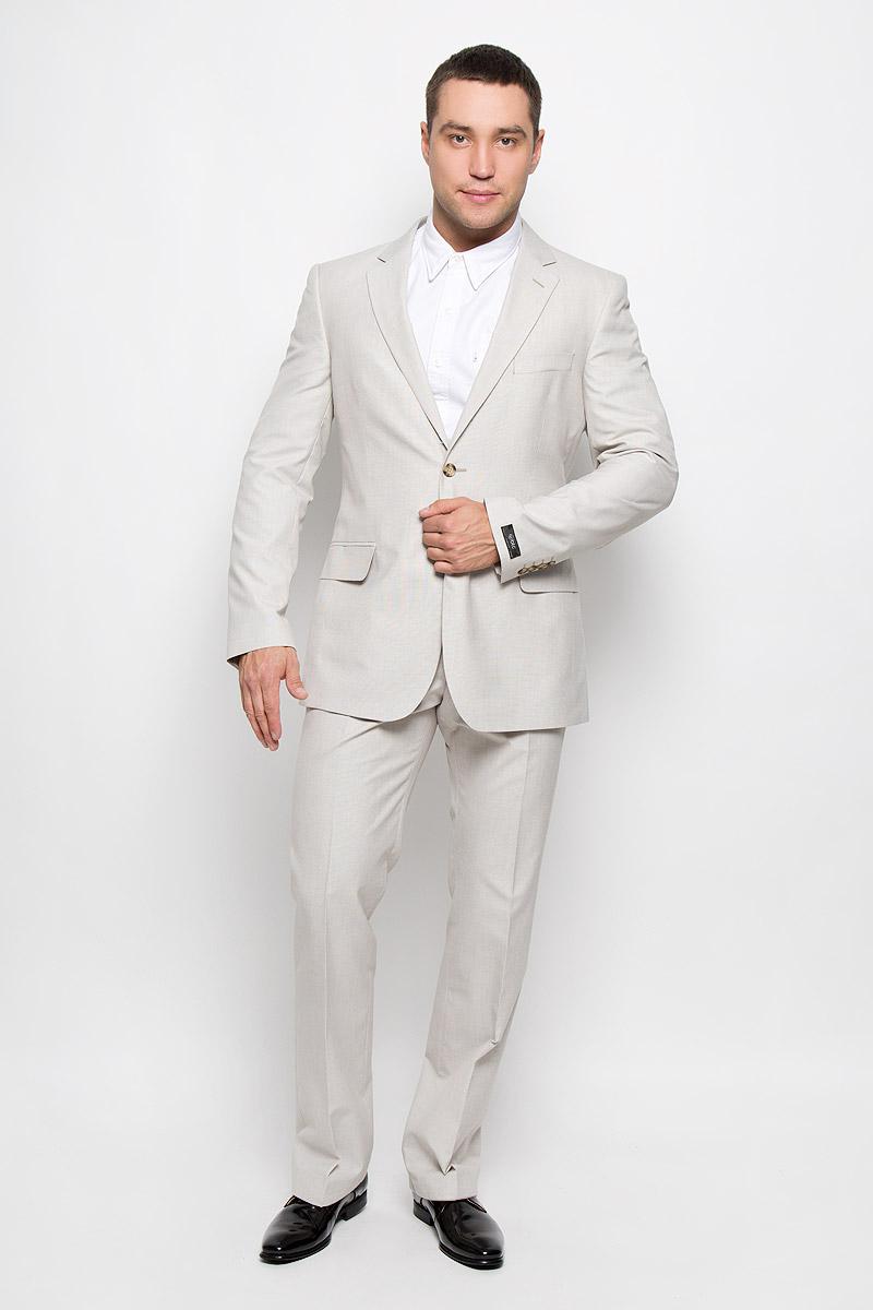 12.013370Мужской костюм BTC, состоящий из пиджака и брюк, займет достойное место в вашем гардеробе. Костюм изготовлен из высококачественного материала. Подкладка модели выполнена из полиэстера. Пиджак с длинными рукавами и отложным воротником с лацканами застегивается на две пуговицы. Модель оснащена прорезным карманом на груди и двумя прорезными карманами с клапанами в нижней части изделия. С внутренней стороны находятся три прорезных кармана, один из которых застегивается на пуговицу. Низ рукавов декорирован пуговицами. Спинка дополнена двумя шлицами. Брюки со стрелками застегиваются на крючок и пуговицы в поясе и имеют ширинку на застежке-молнии. На брюках предусмотрены шлевки для ремня. Спереди модель дополнена двумя втачными карманами со скошенными краями, а сзади - прорезным карманом на пуговице. Этот модный и в то же время комфортный костюм - отличный вариант для офиса и торжеств. Такой костюм позволит выглядеть вам элегантно и стильно!