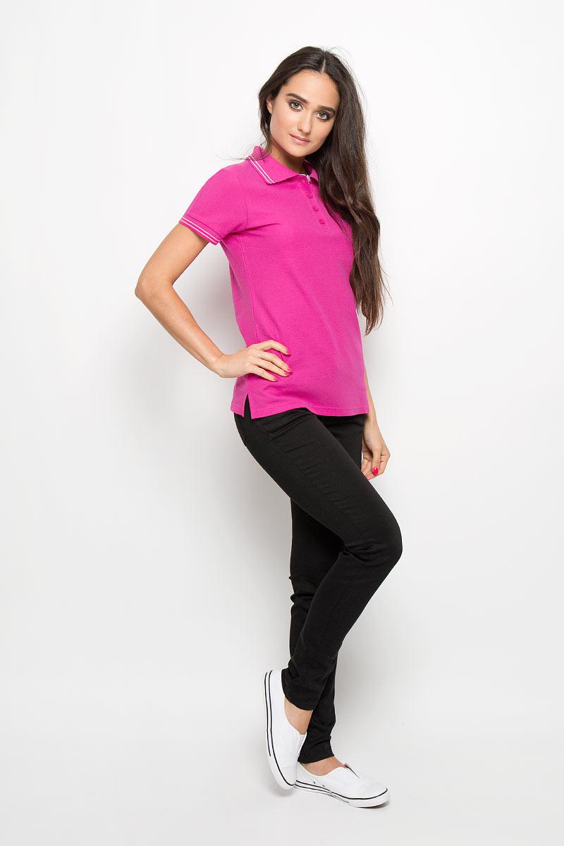 Поло160105Стильная женская футболка-поло F5 с короткими рукавами, изготовленная из натурального хлопка, необычайно мягкая и приятная на ощупь, не сковывает движения, обеспечивая наибольший комфорт. Модель прямого кроя с отложным воротником-поло и застежкой на четыре пуговицы. Воротник и нижняя часть рукавов выполнены из трикотажного материала. В боковых швах обработаны разрезы. На груди изделие оформлено вышитым логотипом. Футболка-поло - отличный вариант для создания образа в стиле Casual.