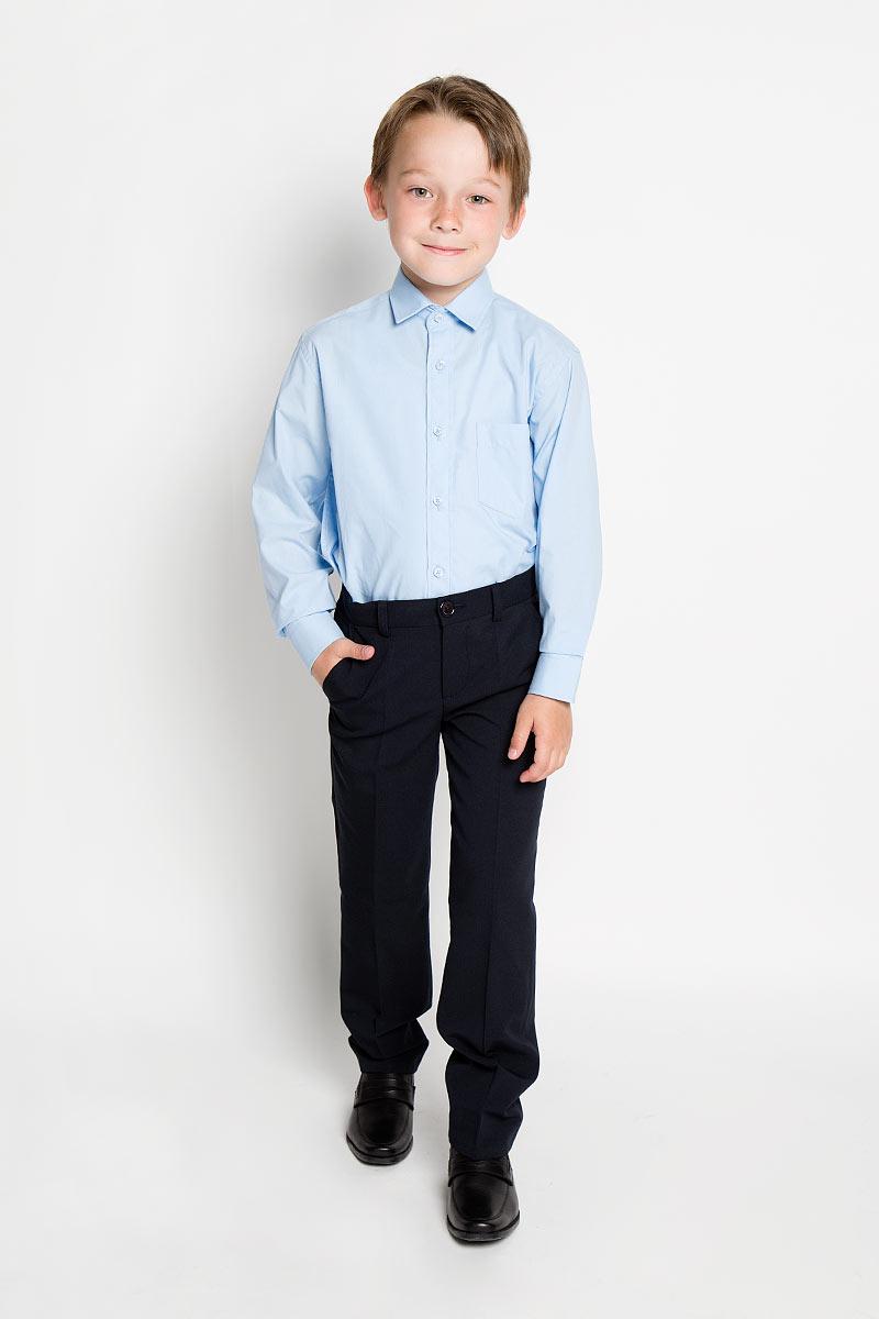 Рубашка для мальчика. PT967PT967Стильная рубашка для мальчика Tsarevich идеально подойдет вашему юному мужчине. Изготовленная из хлопка с добавлением полиэстера, она мягкая и приятная на ощупь, не сковывает движения и позволяет коже дышать, не раздражает даже самую нежную и чувствительную кожу ребенка, обеспечивая ему наибольший комфорт. Однотонная рубашка классического кроя с длинными рукавами и отложным воротничком застегивается по всей длине на пуговицы. На груди она дополнена накладным карманом. Края рукавов дополнены широкими манжетами на пуговицах. Низ изделия немного закруглен к боковым швам. Такая рубашка будет прекрасно смотреться с брюками и джинсами. Она станет неотъемлемой частью детского гардероба.