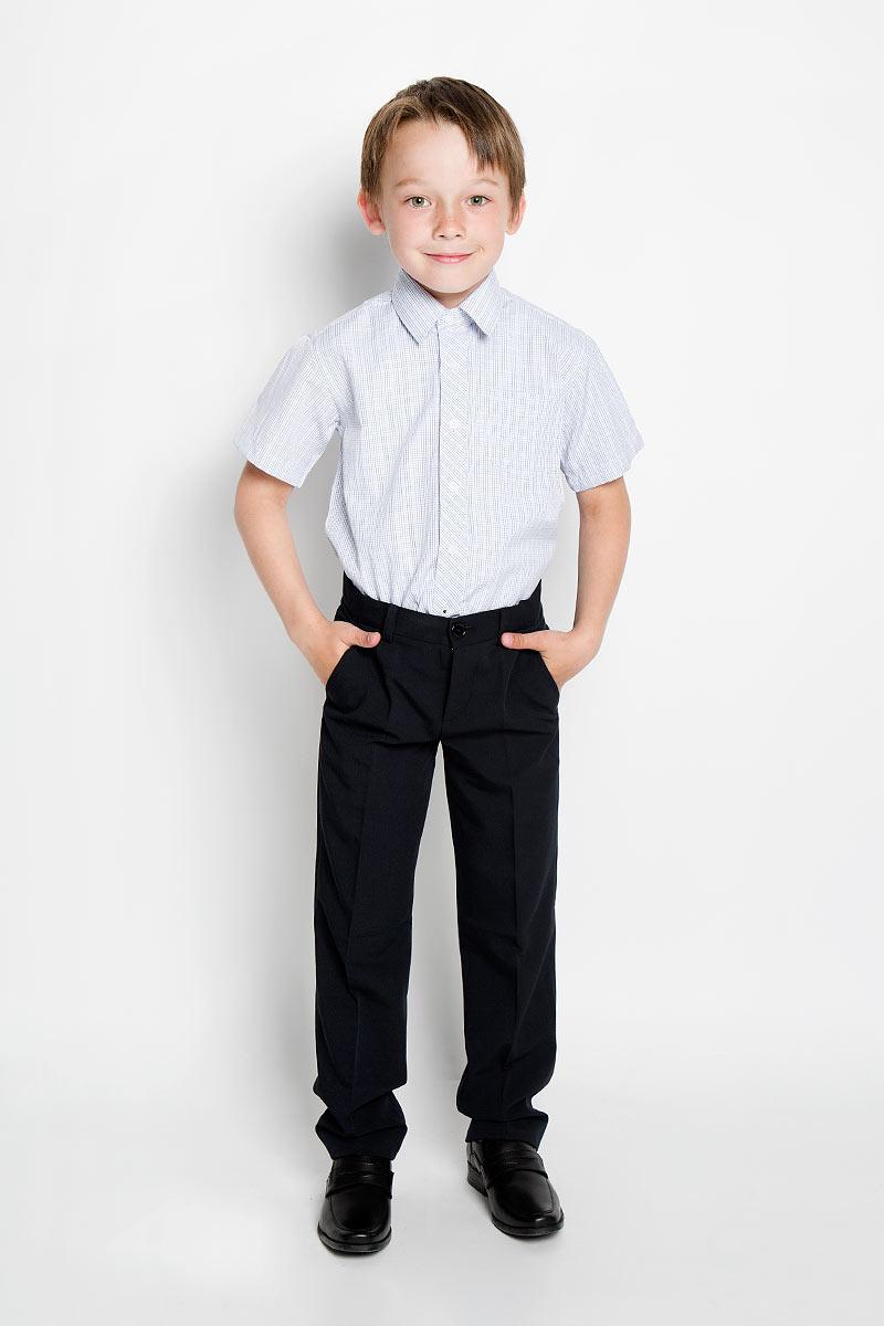 Рубашка для мальчика. SSB-52551-15-ASSB-52551-15-AСтильная рубашка для мальчика Silver Spoon идеально подойдет для школы. Изготовленная из натурального хлопка, она необычайно мягкая, легкая и приятная на ощупь, не сковывает движения и позволяет коже дышать, не раздражает даже самую нежную и чувствительную кожу ребенка, обеспечивая ему наибольший комфорт. Рубашка с короткими рукавами и отложным воротничком застегивается на пуговицы. На груди предусмотрен накладной кармашек. Низ модели по бокам закруглен. Изделие оформлено клетчатым принтом. Такая рубашка - незаменимая вещь для школьной формы, отлично сочетается с брюками, жилетами и пиджаками.