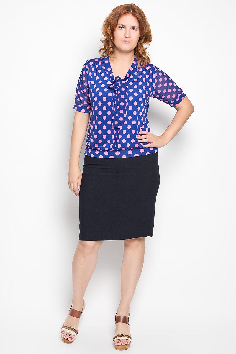 Блузка женская. 1280-722м1280-722мСтильная блузка Milana Style, выполненная из эластичного полиэстера, подчеркнет ваш уникальный стиль и поможет создать оригинальный женственный образ. Материал очень легкий, мягкий и приятный на ощупь, не сковывает движения и хорошо вентилируется. Блузка с короткими полупрозрачными рукавами и воротником-аскот оформлена принтом в горох. Рукава и низ изделия дополнены эластичными манжетами. На воротнике имеются завязки, превращающиеся в элегантный бант. Модная блузка займет достойное место в вашем гардеробе.
