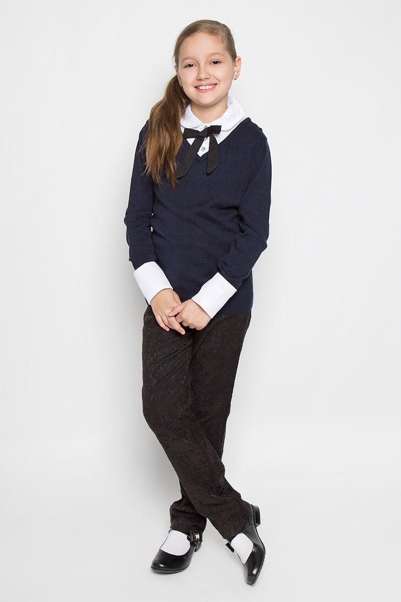 ДжемперAW15GS127B-29Вязанный джемпер для девочки Nota Bene идеально подойдет для школы и повседневной носки. Изготовленный из вискозы с добавлением хлопка, он необычайно мягкий и приятный на ощупь, не сковывает движения малышки и позволяет коже дышать, не раздражает даже самую нежную и чувствительную кожу ребенка, обеспечивая ему наибольший комфорт. Модель с длинными рукавами и со съемным отложным воротником в верхней части застегивается на три пуговицы. Низ рукавов дополнен съемными манжетами. В комплект входят также манжеты и воротник оформленные вставками из гипюра. Такой джемпер будет прекрасно сочетаться со школьной формой, обеспечивая тепло и комфорт.