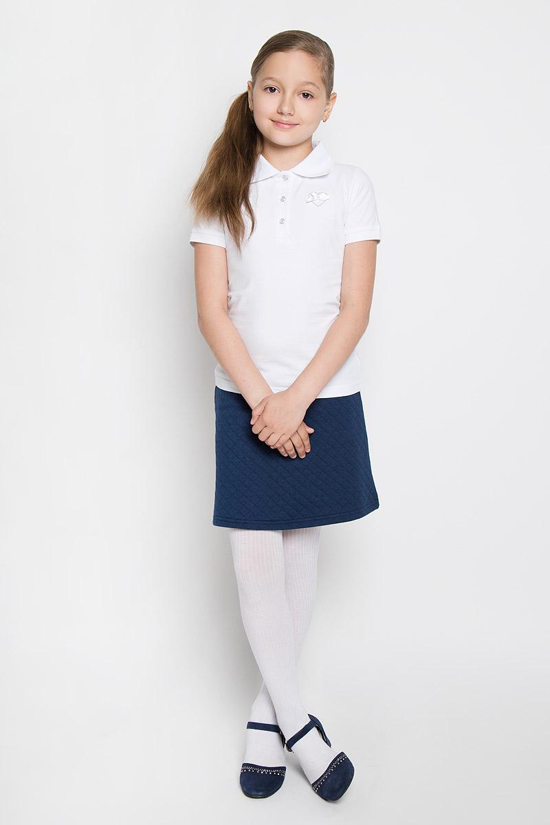 Поло364079Стильная футболка-поло для девочки Scool идеально подойдет для школы и подарит свободу движений, не нарушив школьного дресс-кода. Изготовленная из хлопка с добавлением эластана, она необычайно мягкая, легкая и приятная на ощупь, не сковывает движения и позволяет коже дышать, не раздражает даже самую нежную и чувствительную кожу ребенка, обеспечивая ему наибольший комфорт. Футболка с короткими рукавами и отложным воротником застегивается на три кнопки. Низ рукавов и воротник связаны трикотажной резинкой. Модель оформлена выщитым изображением сердца и маленьким бантиком на груди. Такая футболка - незаменимая вещь для школьной формы, отлично сочетается с юбками, брюками и сарафанами. Эта модель всегда выглядит великолепно!