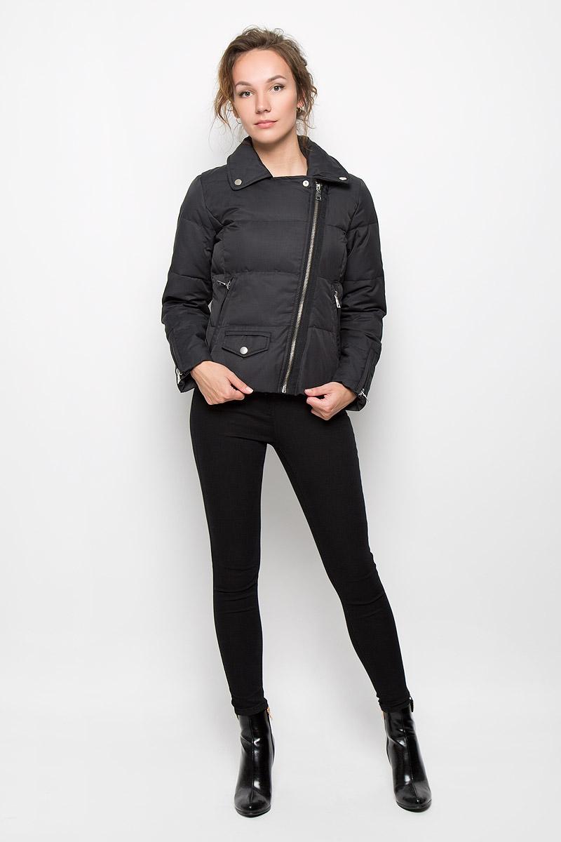 Куртка женская TalessiTALESSIСтильная женская куртка MKT Studio Talessi выполнена из высококачественного материала, рассчитана на прохладную погоду. Она поможет вам почувствовать себя максимально комфортно и стильно. Модель с длинными рукавами и отложным воротником застегивается на застежку-молнию. Куртка дополнена двумя втачными карманами на застежках-молниях и небольшим кармашком с клапаном на кнопке. Рукава дополнены застежками-молниями. В этой куртке вам будет комфортно. Модная фактура ткани, отличное качество, великолепный дизайн.