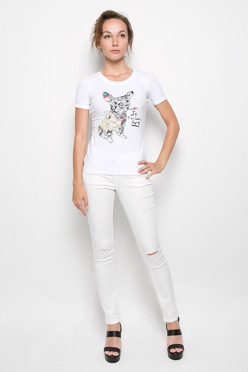 ФутболкаS16-32033_201Стильная женская футболка Finn Flare, выполненная из высококачественного эластичного хлопка, обладает высокой теплопроводностью, воздухопроницаемостью и гигроскопичностью, позволяет коже дышать. Модель с короткими рукавами и круглым вырезом - идеальный вариант для создания образа в стиле Casual. Футболка оформлена оригинальным принтом спереди. Рукава дополнены декоративными отворотами. Горловина оформлена эффектом не заделанного края. Такая модель подарит вам комфорт в течение всего дня и послужит замечательным дополнением к вашему гардеробу.