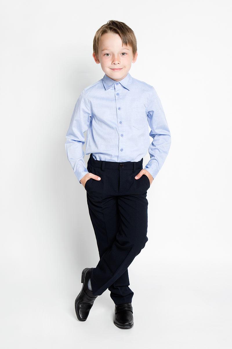 Рубашка для мальчика. KA15-81008JKA15-81008JСтильная рубашка для мальчика Finn Flare Kids идеально подойдет для школы. Изготовленная из натурального хлопка, она необычайно мягкая, легкая и приятная на ощупь, не сковывает движения и позволяет коже дышать, не раздражает даже самую нежную и чувствительную кожу ребенка, обеспечивая ему наибольший комфорт. Рубашка с длинными рукавами и отложным воротничком застегивается на пуговицы по всей длине. На груди предусмотрен накладной кармашек. Низ модели по бокам закруглен. Такая рубашка - незаменимая вещь для школьной формы, отлично сочетается с брюками, жилетами и пиджаками.