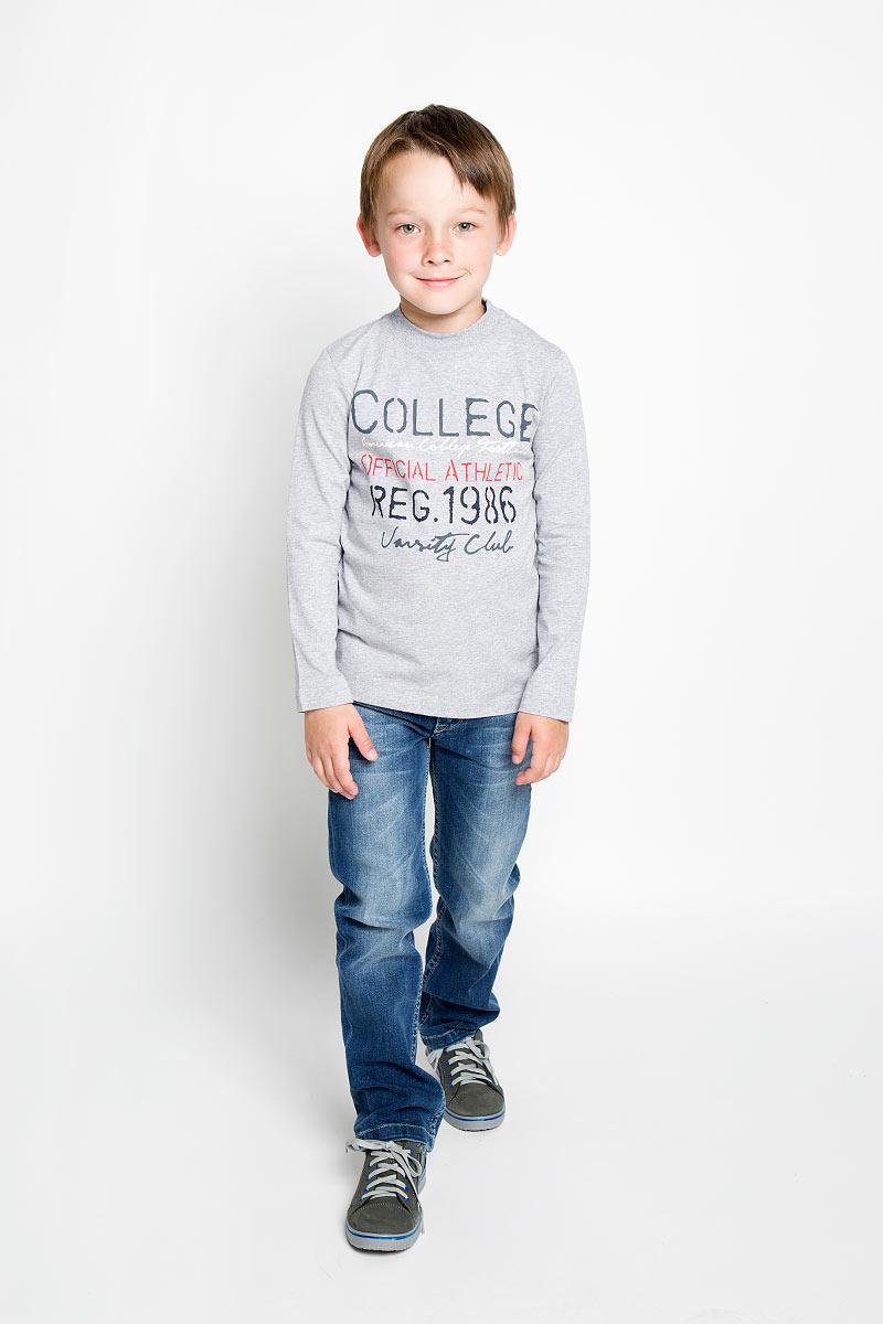 Свишот для мальчика. 363046363046Свитшот для мальчика Scool сделает образ ребенка ярким и оригинальным. Изделие выполнено из хлопка с добавлением эластана, тактильно приятное, не сковывает движения и хорошо пропускает воздух, обеспечивая комфорт. Свитшот с длинными рукавами имеет круглый вырез горловины, оформленный трикотажной резинкой. Изделие украшено принтовыми надписями. Современный дизайн и расцветка делают этот свитшот ярким и модным предметом детской одежды. Обладатель такого свитшота всегда будет в центре внимания!
