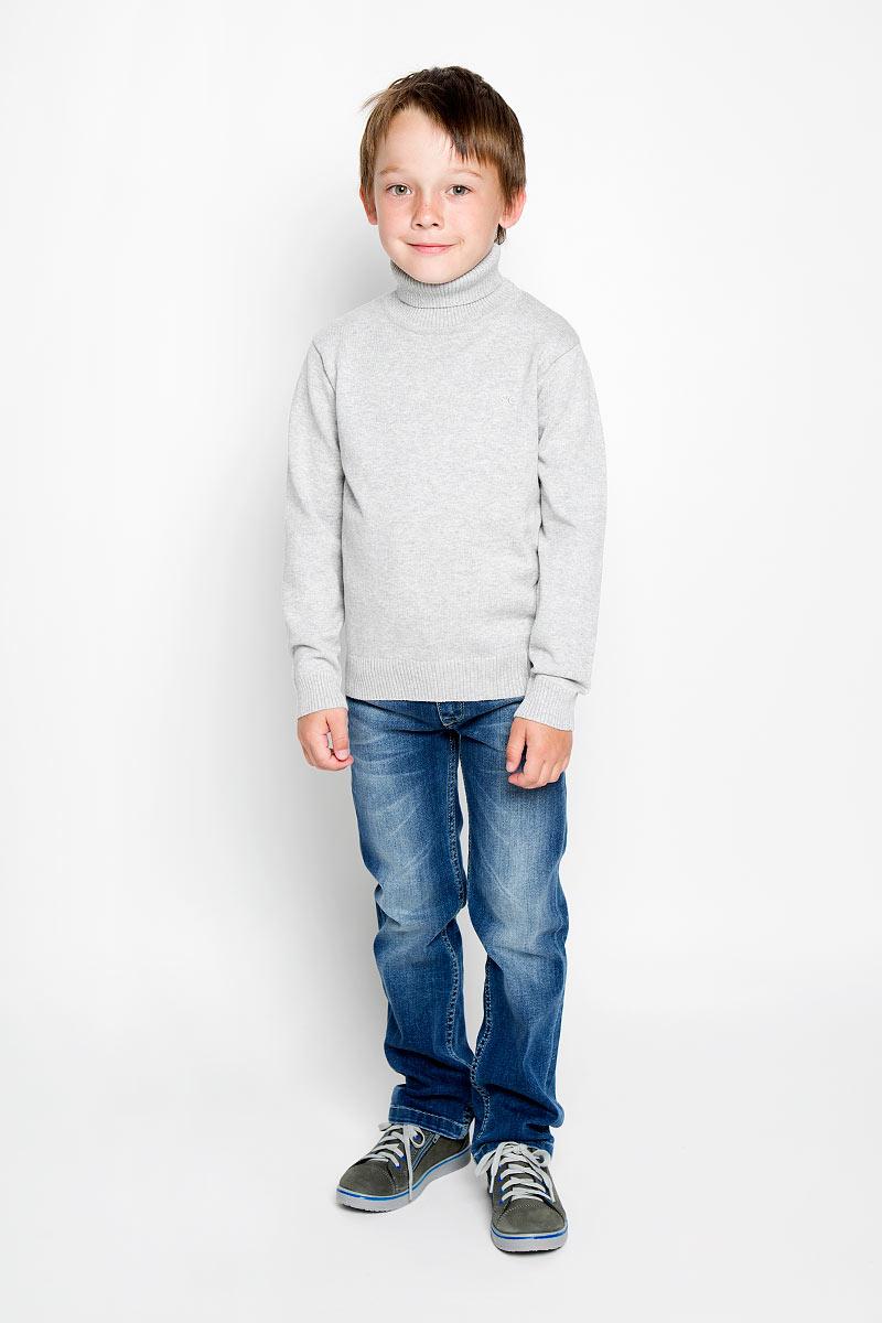 Водолазка для мальчика. 363010363010Практичная водолазка для мальчика Scool идеально подойдет вашему ребенку, как для школы, так и для повседневной носки. Изготовленная из хлопка с добавлением акрила и эластана, она мягкая и приятная на ощупь, не сковывает движения и позволяет коже дышать, не раздражает даже самую нежную и чувствительную кожу ребенка, обеспечивая ему наибольший комфорт. Классическая однотонная модель с длинными рукавами дополнена воротником-гольф. В такой водолазке вашему юному мужчине будет удобно и комфортно.