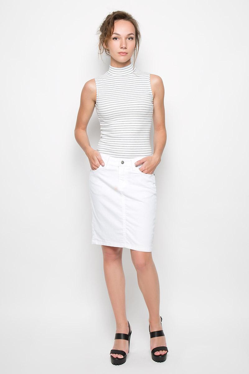 Юбка4872-234Стильная женская юбка Malvin создана специально для того, чтобы подчеркивать достоинства вашей фигуры. Модель прямого кроя и средней посадки станет отличным дополнением к вашему современному образу. Застегивается юбка на пуговицу в поясе и ширинку на застежке-молнии, имеются шлевки для ремня. Спереди модель оформлены двумя втачными карманами и одним небольшим секретным кармашком, а сзади - двумя накладными карманами. Эта модная и в тоже время комфортная юбка послужат отличным дополнением к вашему гардеробу. В ней вы всегда будете чувствовать себя уютно и комфортно.