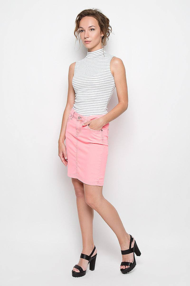 Юбка. 4872-2344872-234Стильная женская юбка Malvin создана специально для того, чтобы подчеркивать достоинства вашей фигуры. Модель прямого кроя и средней посадки станет отличным дополнением к вашему современному образу. Застегивается юбка на пуговицу в поясе и ширинку на застежке-молнии, имеются шлевки для ремня. Спереди модель оформлены двумя втачными карманами и одним небольшим секретным кармашком, а сзади - двумя накладными карманами. Эта модная и в тоже время комфортная юбка послужат отличным дополнением к вашему гардеробу. В ней вы всегда будете чувствовать себя уютно и комфортно.