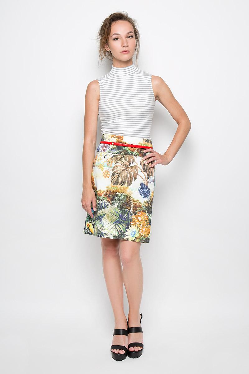 Юбка4886-584Стильная юбка Malvin выполнена из плотного материала с ярким принтовым орнаментом. Юбка сзади застегивается на потайную застежку-молнию и имеет небольшой разрез для наибольшего комфорта. Пояс дополнен тонким ремешком с металлической пряжкой. Элегантная юбка выгодно освежит и разнообразит любой гардероб. Создайте женственный образ и подчеркните свою яркую индивидуальность!