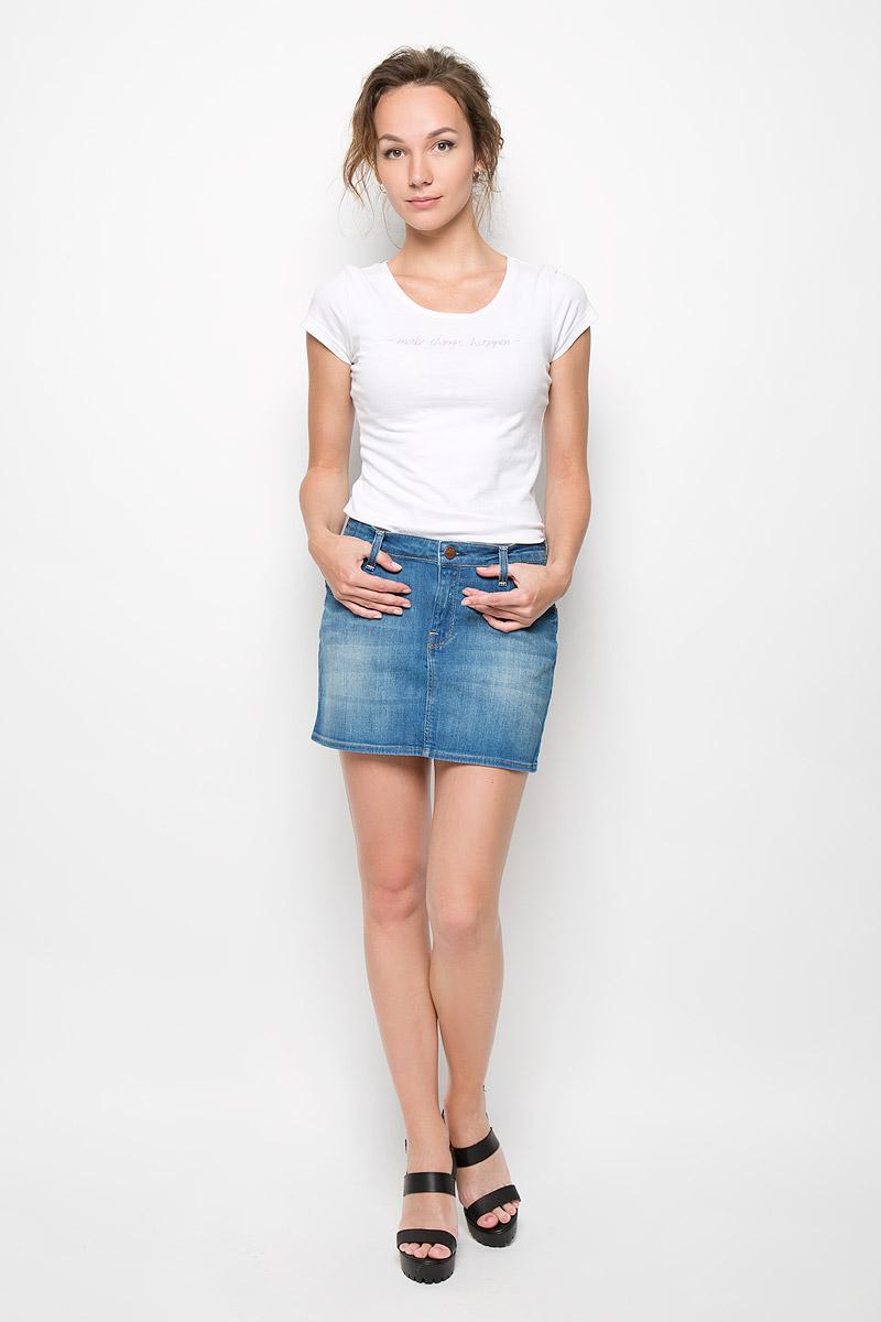 Юбка Mini Skirt. L309DOJOL309DOJOСтильная женская юбка Lee Mini Skirt создана специально для того, чтобы подчеркивать достоинства вашей фигуры. Модель прямого кроя и средней посадки станет отличным дополнением к вашему современному образу. Застегивается юбка на пуговицу в поясе и ширинку на застежке-молнии, имеются шлевки для ремня. Спереди модель оформлены двумя втачными карманами и одним небольшим секретным кармашком, а сзади - двумя накладными карманами. Эта модная и в тоже время комфортная юбка послужат отличным дополнением к вашему гардеробу. В ней вы всегда будете чувствовать себя уютно и комфортно.