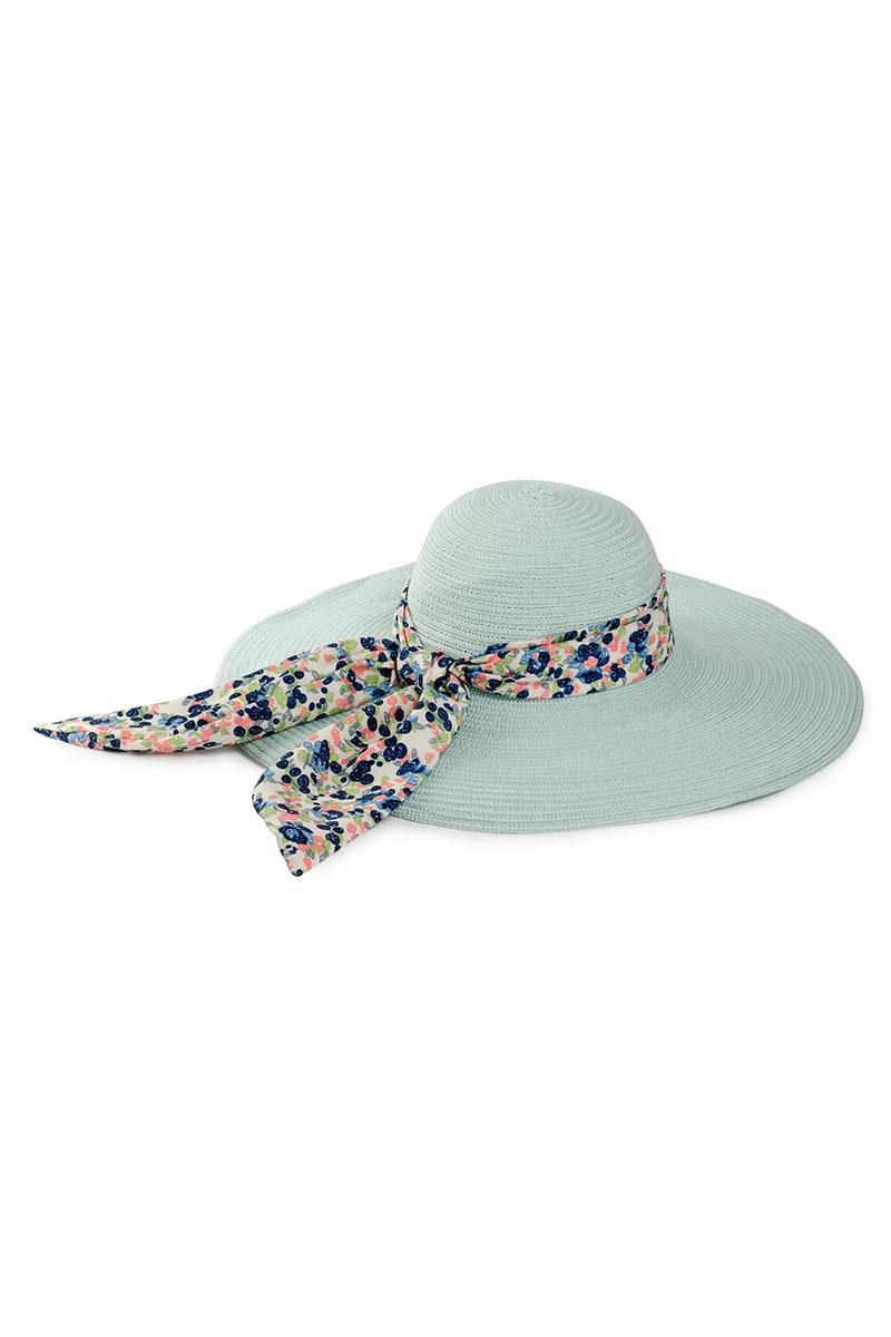 9H-1603Летняя женская шляпа Moltini, выполненная из текстиля с добавлением нейлона, станет незаменимым аксессуаром для пляжа и отдыха на природе. Широкие поля шляпы обеспечат надежную защиту от солнечных лучей. Плетение шляпы обеспечивает необходимую вентиляцию и комфорт даже в самый знойный день. Шляпа легко восстанавливает свою форму после сжатия. Модель оформлена стильной широкой лентой вокруг тульи, украшенной оригинальным цветочным принтом. Уважаемые клиенты! Размер, доступный для заказа, является обхватом головы.