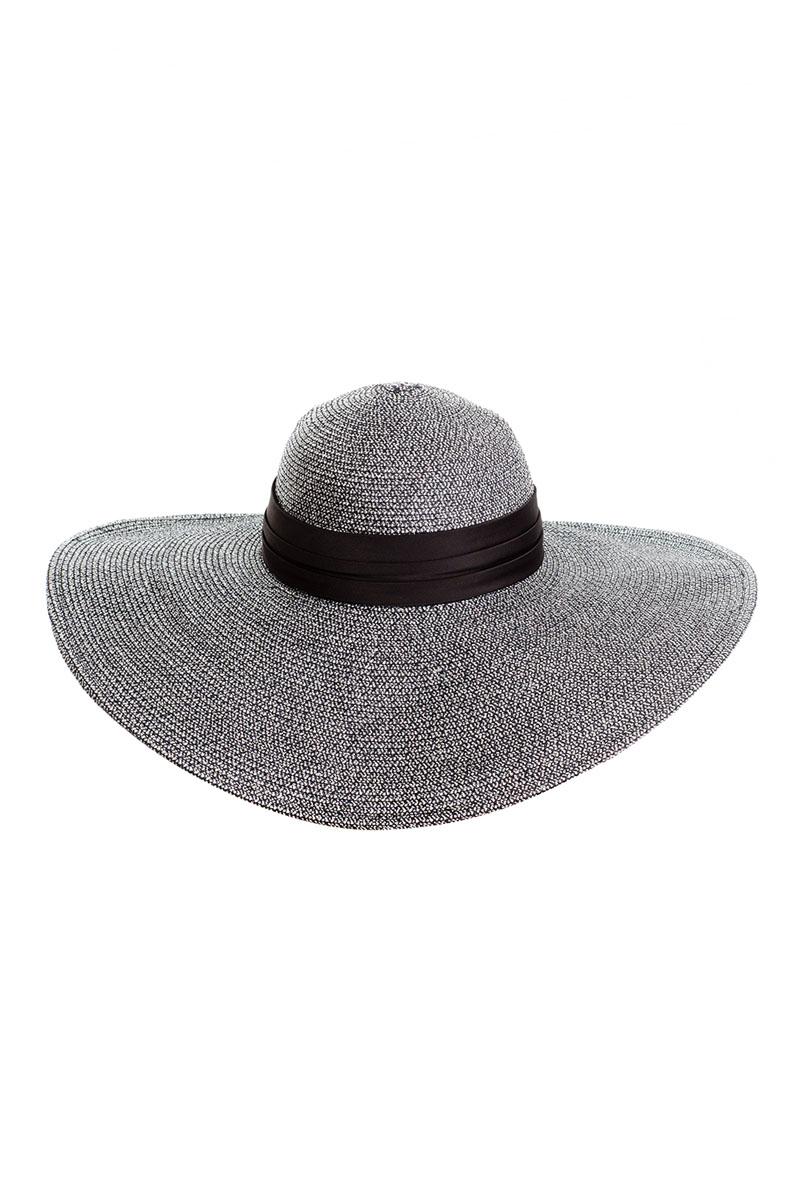 Шляпа9K-1601Летняя женская шляпа Moltini, выполненная из целлюлозы с добавлением текстиля, станет незаменимым аксессуаром для пляжа и отдыха на природе. Широкие поля шляпы обеспечат надежную защиту от солнечных лучей. Плетение шляпы обеспечивает необходимую вентиляцию и комфорт даже в самый знойный день. Шляпа легко восстанавливает свою форму после сжатия. Модель оформлена стильной широкой кружевной лентой вокруг тульи и дополнена большим бантом. Обхват шляпы регулируется при помощи хлястика на липучке. Уважаемые клиенты! Размер, доступный для заказа, является обхватом головы.