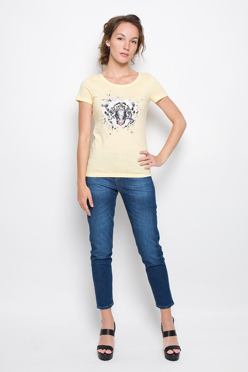 Футболка160093_12380_light yellowСтильная женская футболка F5 Tiger, выполненная из натурального хлопка, обладает высокой теплопроводностью, воздухопроницаемостью и гигроскопичностью, позволяет коже дышать. Модель с короткими рукавами и круглым вырезом горловины - идеальный вариант для создания стильного современного образа. Футболка украшена крупным принтом с изображением морды тигра. Такая модель подарит вам комфорт в течение всего дня и послужит замечательным дополнением к вашему гардеробу.