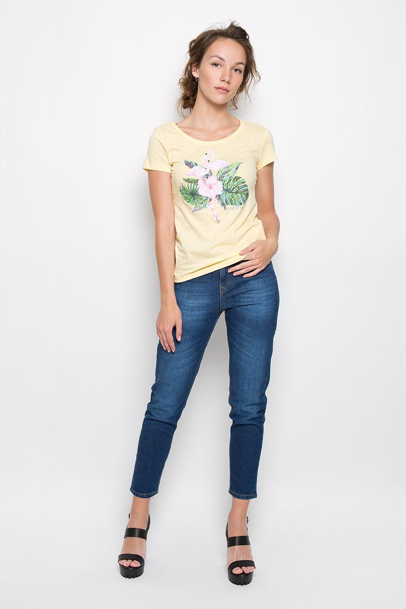 Футболка160083_12380_coralСтильная женская футболка F5 Flamingo, выполненная из натурального хлопка, обладает высокой теплопроводностью, воздухопроницаемостью и гигроскопичностью, позволяет коже дышать. Модель с короткими рукавами и круглым вырезом горловины - идеальный вариант для создания стильного современного образа. Футболка оформлена оригинальным принтом с изображением фламинго в цветах.