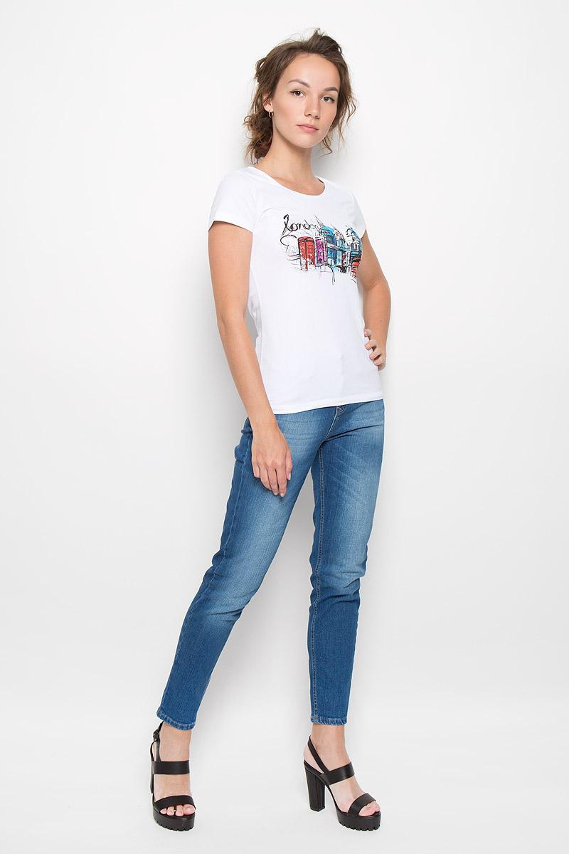 160072_12380_whiteСтильная женская футболка F5 London, выполненная из эластичного хлопка, обладает высокой теплопроводностью, воздухопроницаемостью и гигроскопичностью, позволяет коже дышать. Модель с короткими рукавами и круглым вырезом горловины - идеальный вариант для создания стильного современного образа. Футболка оформлена оригинальным принтом с изображением города. Такая модель подарит вам комфорт в течение всего дня и послужит замечательным дополнением к вашему гардеробу.