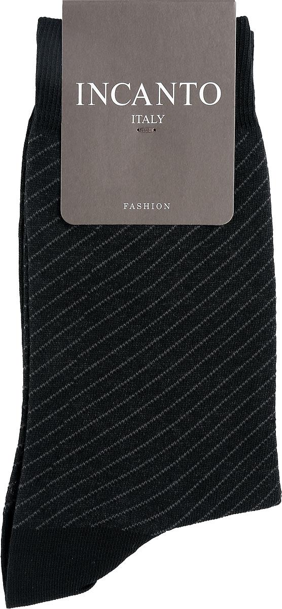 НоскиBU733036Мужские носки Incanto Fashion изготовлены из хлопка с добавлением полиамида. Материал тактильно приятный, хорошо пропускает воздух. Носки дополнены комфортной эластичной резинкой. Усиленные пятка и мысок обеспечивают надежность и долговечность. Оформлено изделие принтом в диагональную полоску. Удобные и прочные носки станут отличным дополнением к вашему гардеробу!