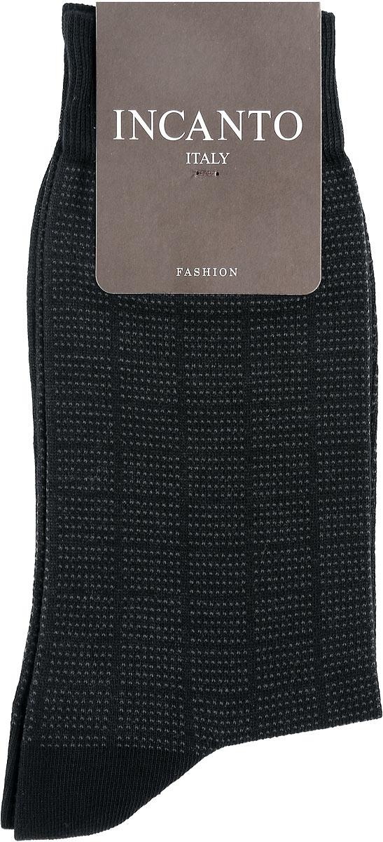 Носки мужские Fashion. BU733037BU733037Мужские носки Incanto Fashion изготовлены из хлопка с добавлением полиамида. Материал тактильно приятный, хорошо пропускает воздух. Носки дополнены комфортной эластичной резинкой. Усиленные пятка и мысок обеспечивают надежность и долговечность. Оформлено изделие принтом в клетку. Удобные и прочные носки станут отличным дополнением к вашему гардеробу!