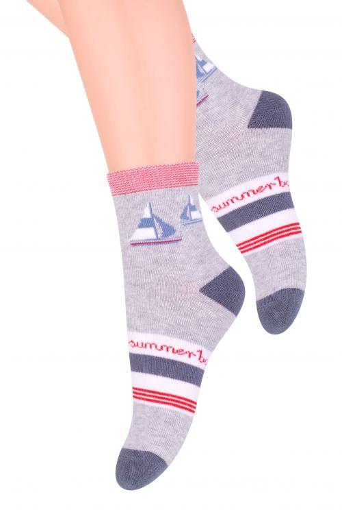 Носки014 (CE146)Хлопковые носки для мальчика Steven отлично подойдут для повседневной носки. Они изготовлены из высококачественного материала, очень мягкие на ощупь, не раздражают даже самую нежную и чувствительную кожу. Оформлено изделие цветными полосками и рисунком с изображением корабликов. Такие носки послужат замечательным дополнением к детскому гардеробу!