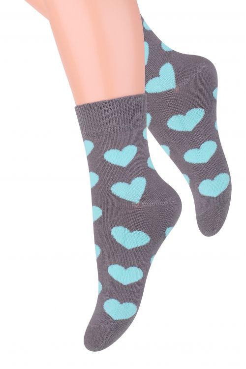 Носки014 (DO207)/014 (DN207)/014 (DM207)Хлопковые носки для девочки Steven отлично подойдут для повседневной носки. Изделие оформлено рисунком в виде сердечек, по всему паголенку и мысу. Они изготовлены из высококачественного материала, очень мягкие на ощупь, не раздражают даже самую нежную и чувствительную кожу. Такие носки послужат замечательным дополнением к детскому гардеробу!