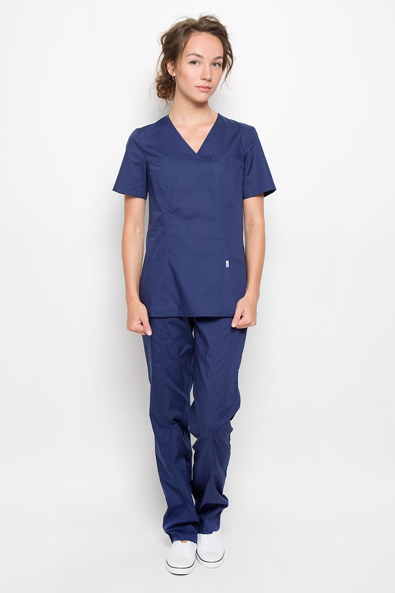 Блуза хирургическая женская Хьюстон. 03-138-02-А603-138-02-А6Стильная медицинская блуза Med Fashion Lab Хьюстон, выполненная из хлопка с добавлением эластана, создана с учетом индивидуальных особенностей работы медицинского персонала. Модель приталенного кроя с короткими рукавами и V-образным вырезом горловины. Спереди предусмотрены два втачных кармана, по бокам небольшие разрезы. Такая блуза практична и удобна в условиях интенсивной трудовой деятельности.