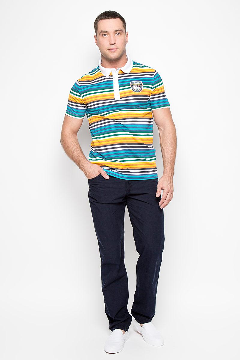 БрюкиS16-22033_101Стильные мужские брюки Finn Flare - брюки высочайшего качества на каждый день, которые прекрасно сидят. Модель слегка зауженного кроя и средней посадки изготовлена из натурального легкого хлопка. Застегиваются брюки на пуговицу в поясе и ширинку на молнии, имеются шлевки для ремня. Спереди модель дополнена двумя втачными карманами и одним маленьким секретным кармашком, сзади - двумя накладными карманами. Эти модные и в тоже время комфортные брюки послужат отличным дополнением к вашему гардеробу. В них вы всегда будете чувствовать себя уютно и комфортно.