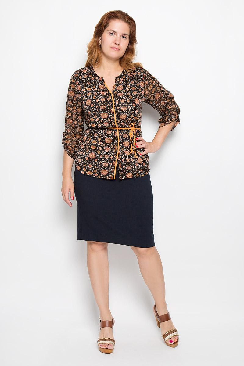 Блузка женская. 1331-723м1331-723мСтильная женская блуза Milana Style, выполненная из эластичного полиамида, подчеркнет ваш уникальный стиль и поможет создать оригинальный женственный образ. Блузка с рукавами 3/4 и V-образным вырезом горловины оформлена мелким цветочным принтом. Модель застегивается на пуговицы спереди, рукава дополнены хлястиками на пуговицах. В комплект также входит узкий текстильный пояс. Такая блузка идеально подойдет для жарких летних дней. Эта блузка будет дарить вам комфорт в течение всего дня и послужит замечательным дополнением к вашему гардеробу.
