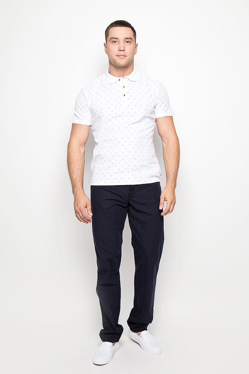 S16-21032_101Мужская футболка-поло Finn Flare, изготовленная из натурального хлопка, обладает высокой теплопроводностью, воздухопроницаемостью и гигроскопичностью, позволяет коже дышать. Модель с короткими рукавами и отложным воротником - идеальный вариант для создания оригинального современного образа. Сверху футболка застегивается на 3 пуговицы. Модель оформлена принтом в мелкий ромбик. Такая модель подарит вам комфорт в течение всего дня и послужит замечательным дополнением к вашему гардеробу.