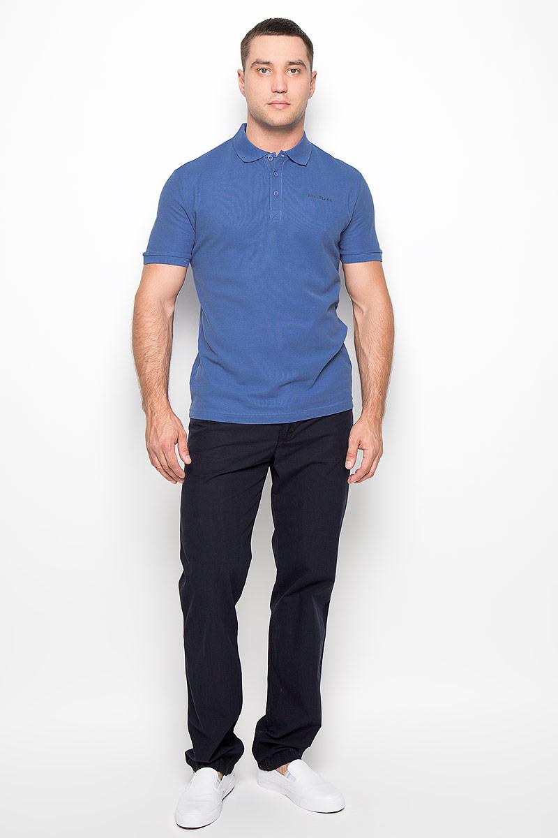 S16-21028Мужская футболка-поло Finn Flare, изготовленная из натурального хлопка, обладает высокой теплопроводностью, воздухопроницаемостью и гигроскопичностью, позволяет коже дышать. Модель с короткими рукавами и отложным воротником - идеальный вариант для создания оригинального современного образа. Сверху футболка-поло застегивается на 3 пуговицы. Низ рукавов и воротник модели выполнены резинкой. На груди изделие оформлено термоаппликацией в виде названия бренда. Такая модель подарит вам комфорт в течение всего дня и послужит замечательным дополнением к вашему гардеробу.